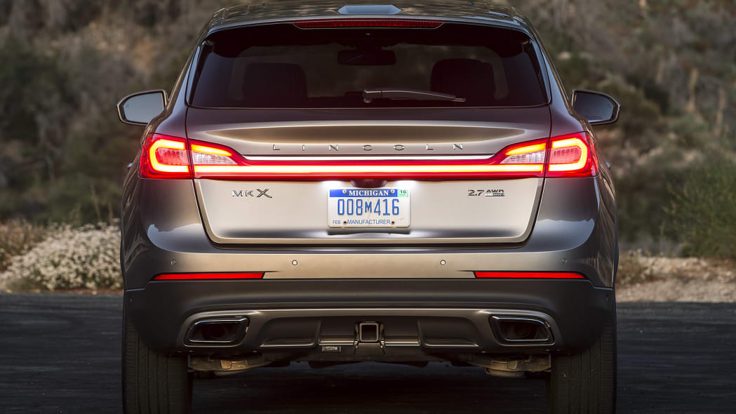 2016 Lincoln MKX rear view