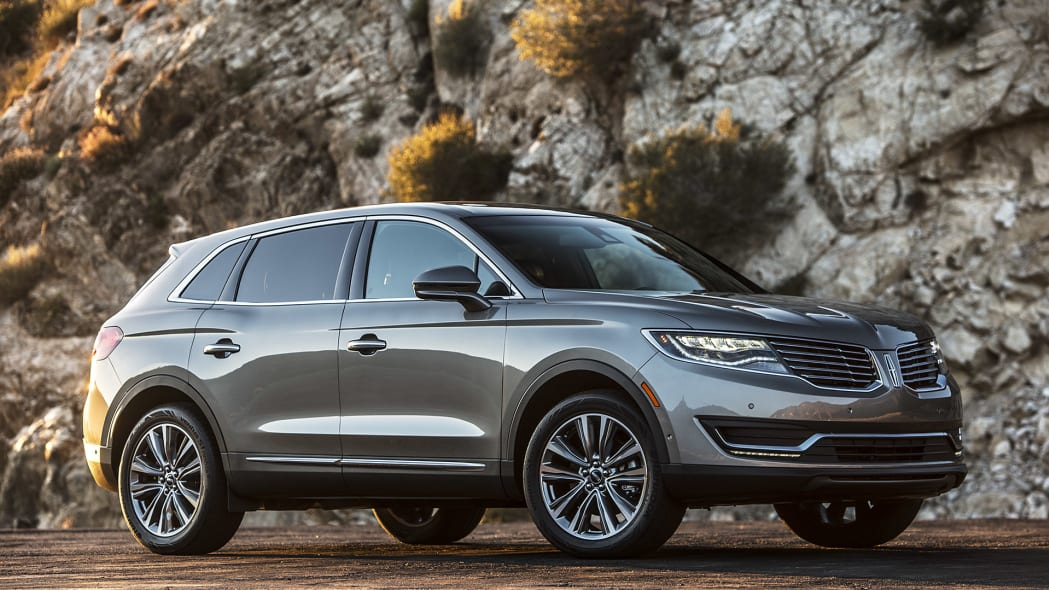 2016 Lincoln MKX front 3/4 view