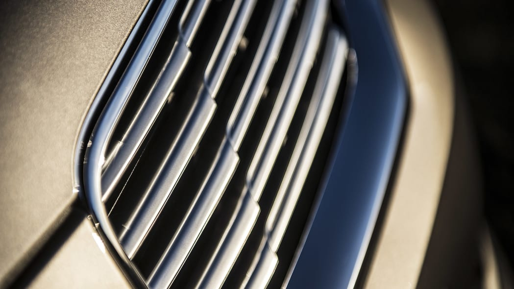 2016 Lincoln MKX grille