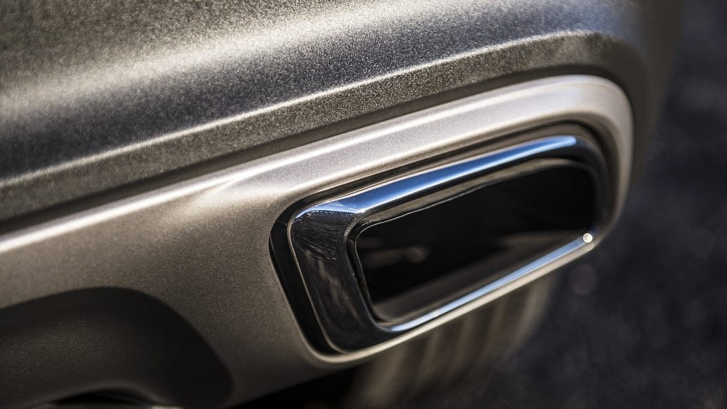 2016 Lincoln MKX exhaust tip