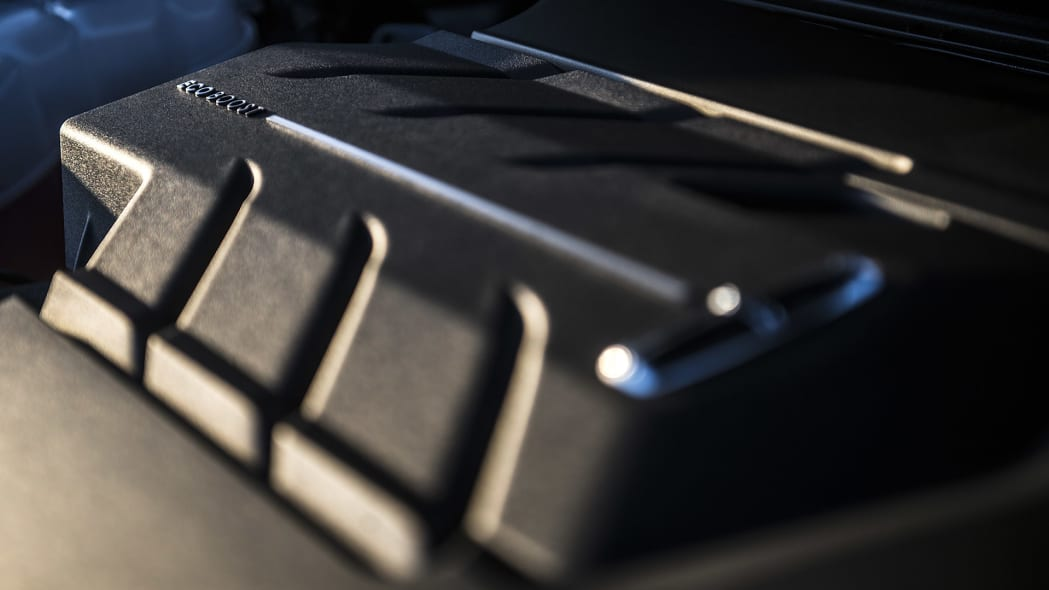 2016 Lincoln MKX engine detail