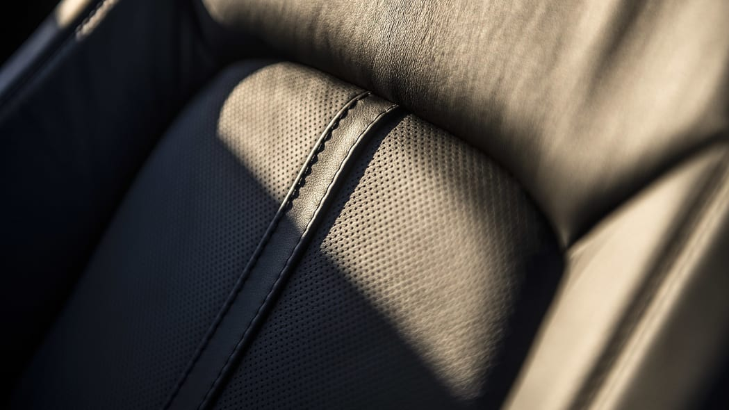 2016 Lincoln MKX seat detail