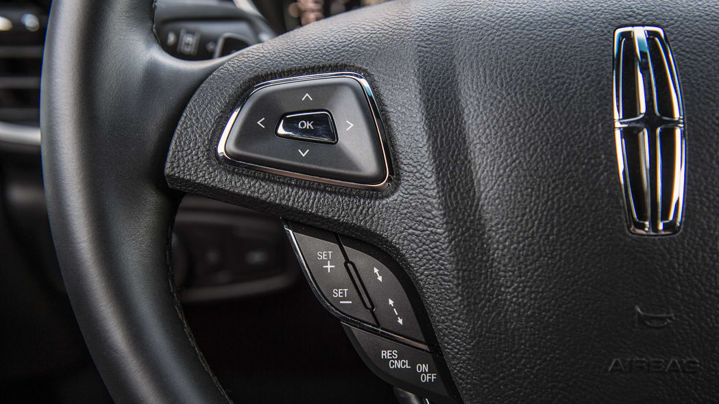 2016 Lincoln MKX steering wheel controls