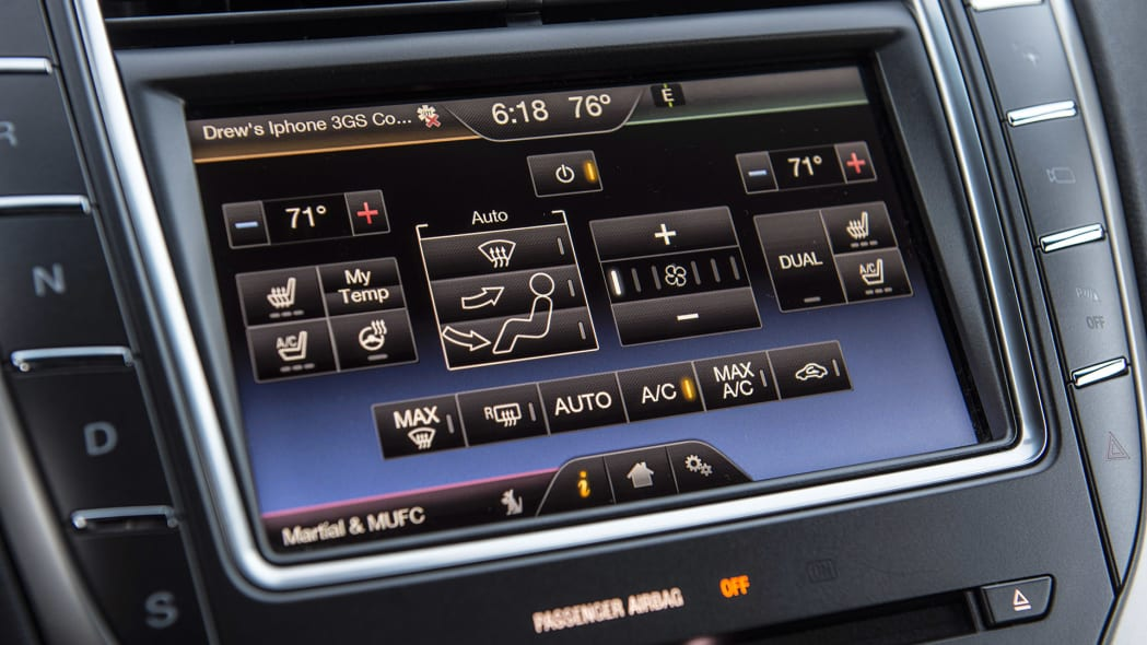 2016 Lincoln MKX climate controls