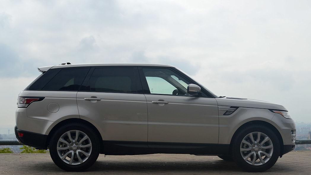 2016 Land Rover Range Rover Sport Td6 side view