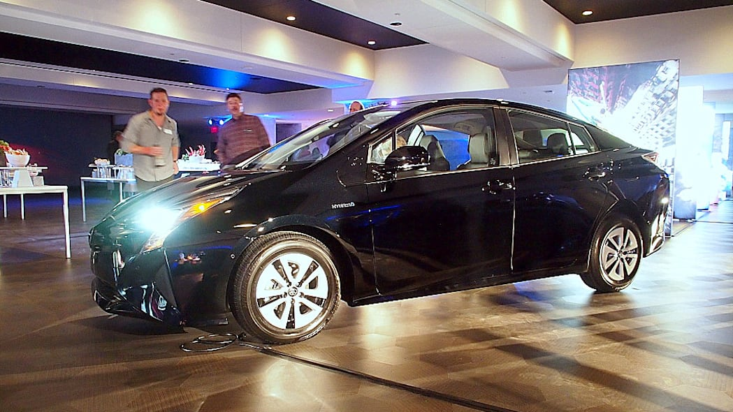 2016 Toyota Prius in black, front 3/4