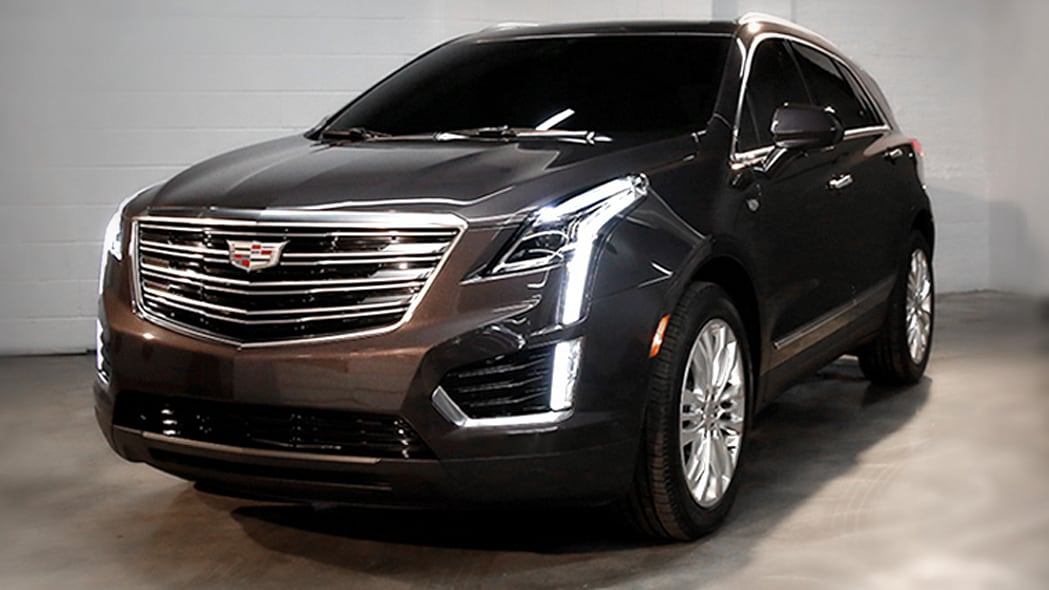 Cadillac XT5 preview front 3/4