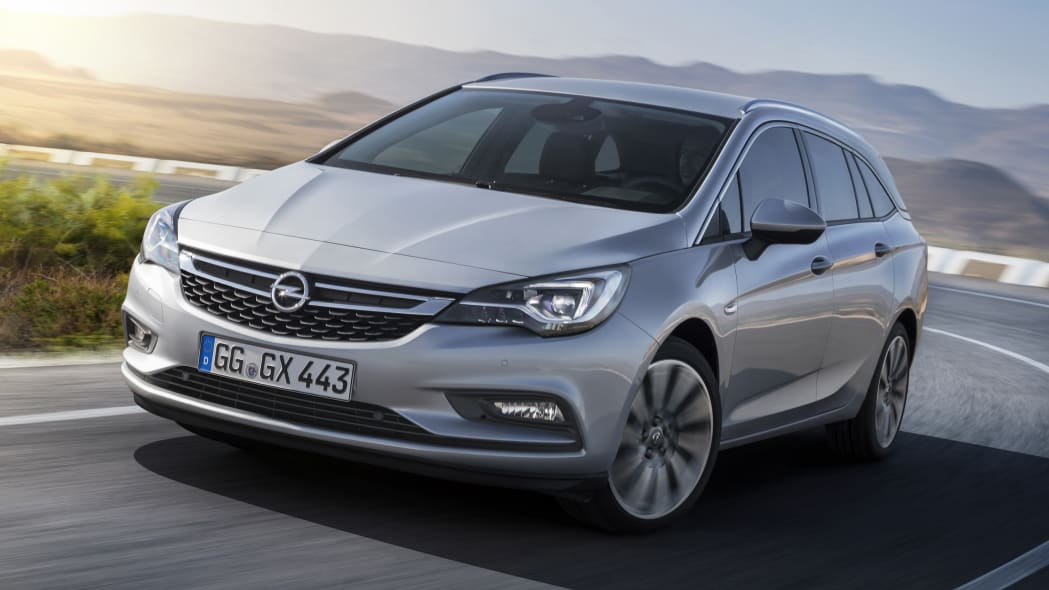 2016 Opel Astra Sports Tourer front 3/4 road moving