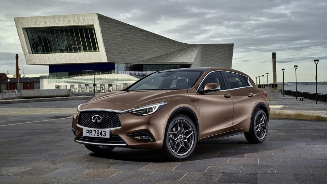 q30 infiniti building front copper debut frankfurt