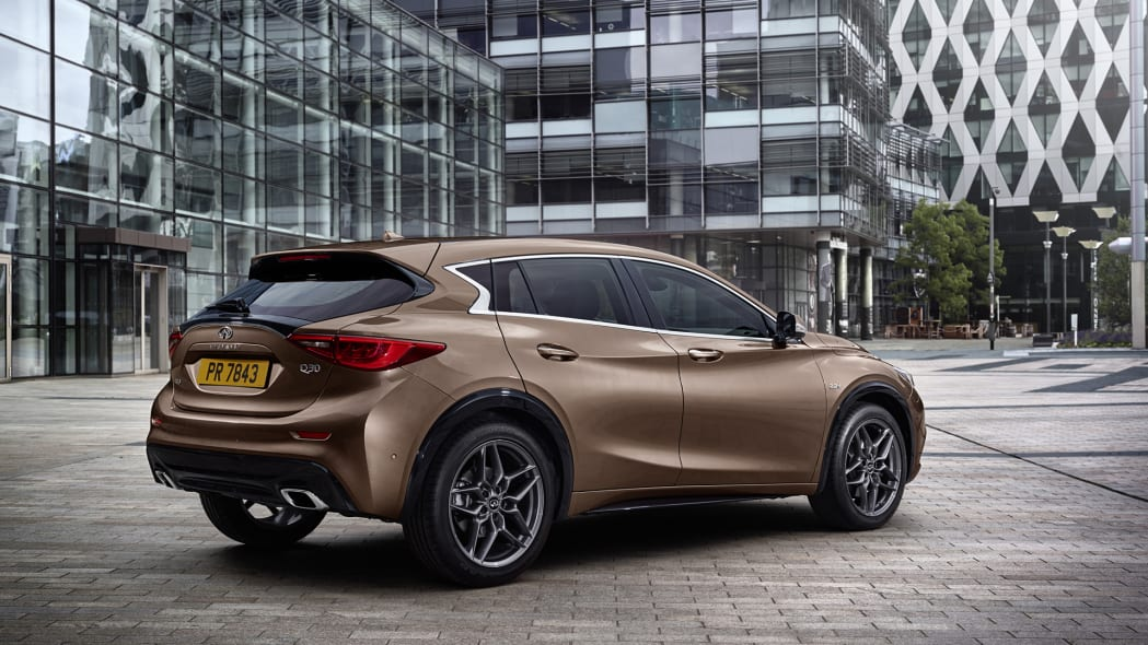 courtyard q30 rear a-class mercedes infiniti