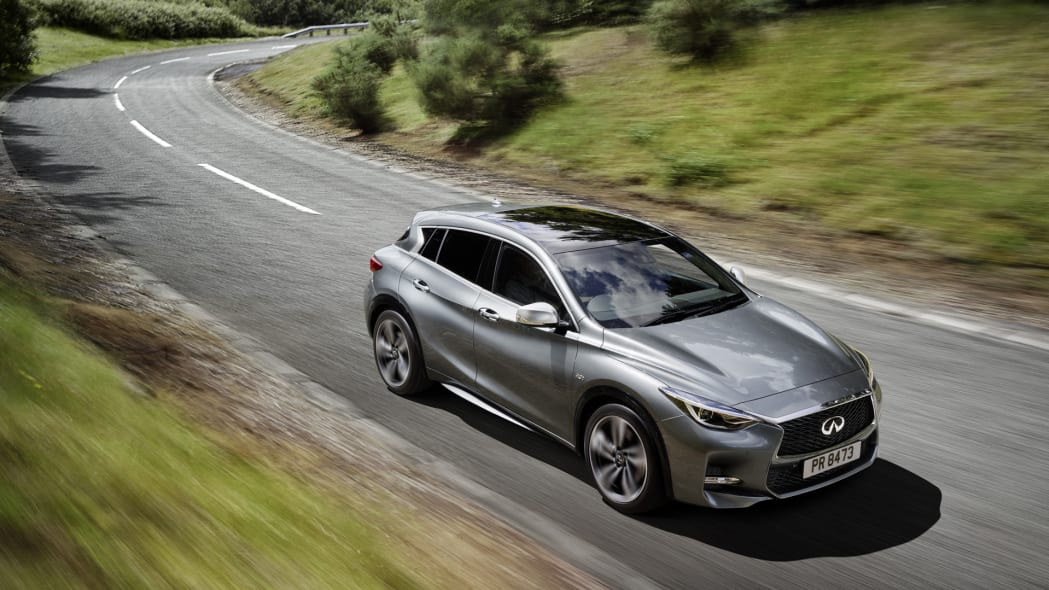 infiniti q30 action above speed front