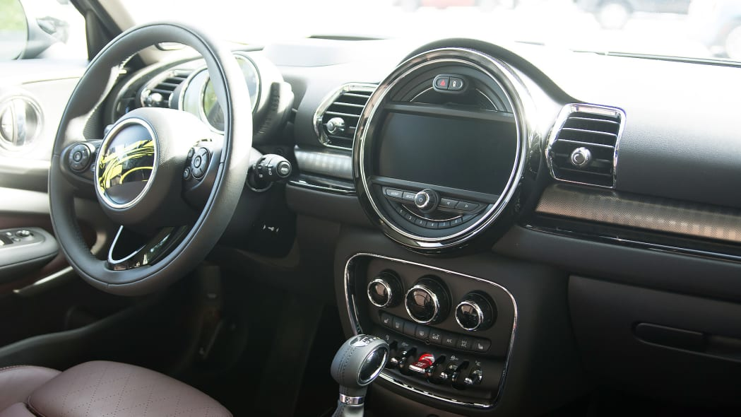 clubman display mini connected 2016 interior cabin