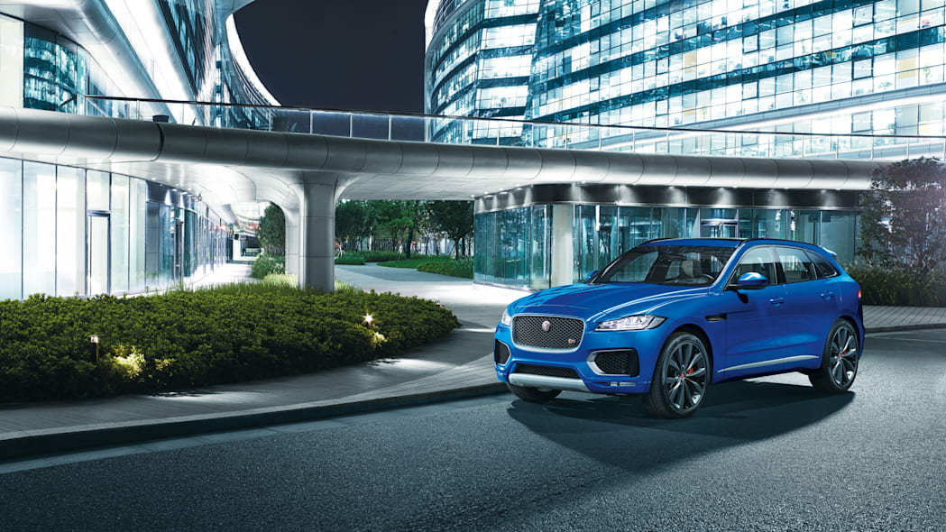 jaguar city bridge f-pace cuv frnakfurt debut