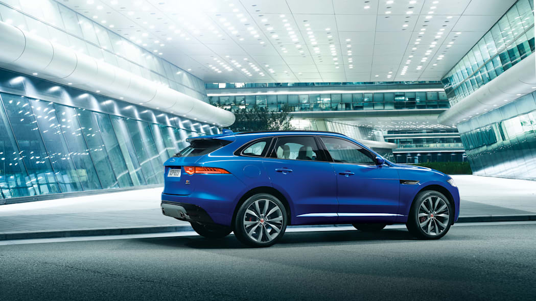 frankfurt cuv f-pace production jaguar profile