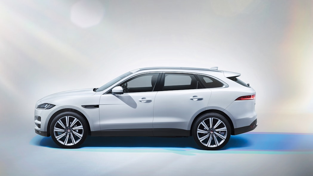jaguar f-pace 2017 profile parked studio