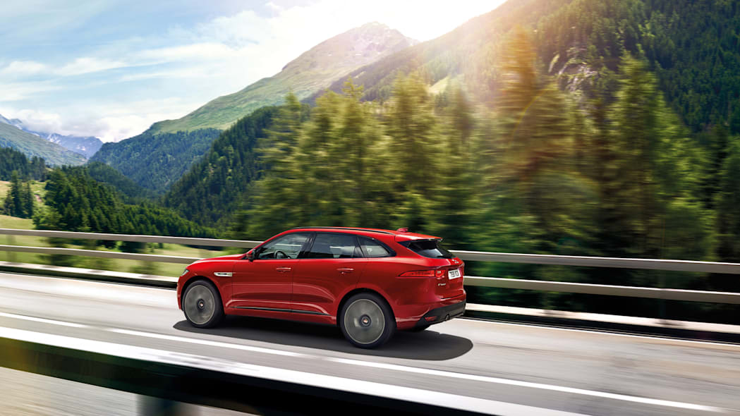 2017 f-pace jaguar cuv crossover bridge sun mountain