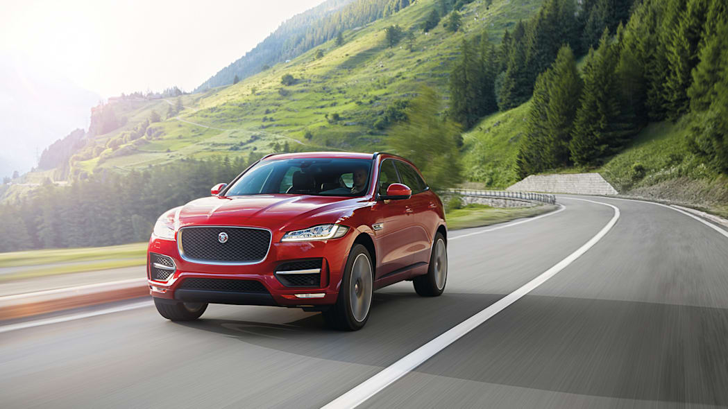 f-pace 2017 jaguar crossover front action