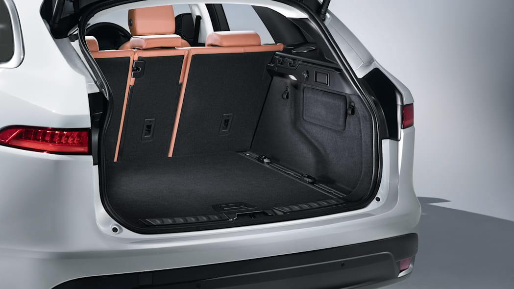trunk jaguar f-pace cabin interior 2017