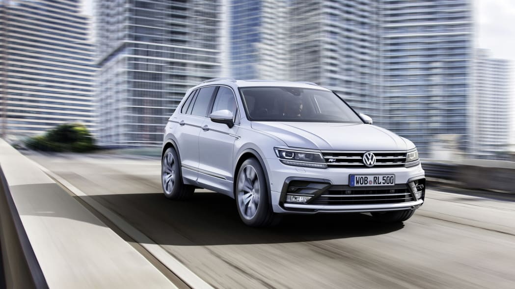 silver vw tiguan r-line in the city