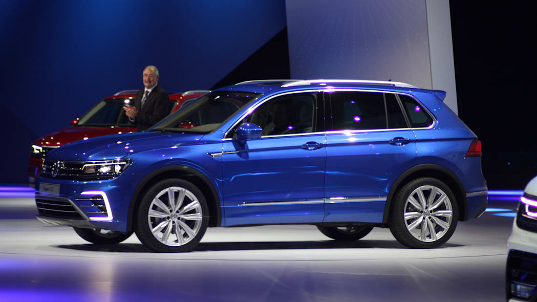 The Volkswagen Tiguan GTE concept unveiled at Volkswagen's Group Night ahead of the 2015 Frankfurt Motor Show, near front three-quarter view.
