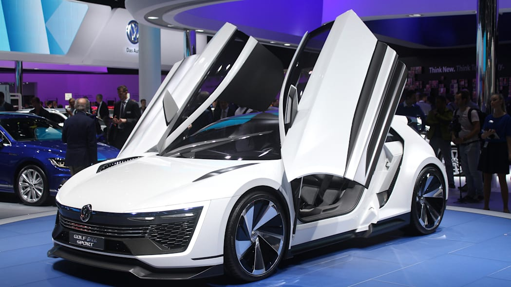 The Volkswagen Golf GTE Sport concept showed off at the 2015 Frankfurt Motor Show, front three-quarter view.