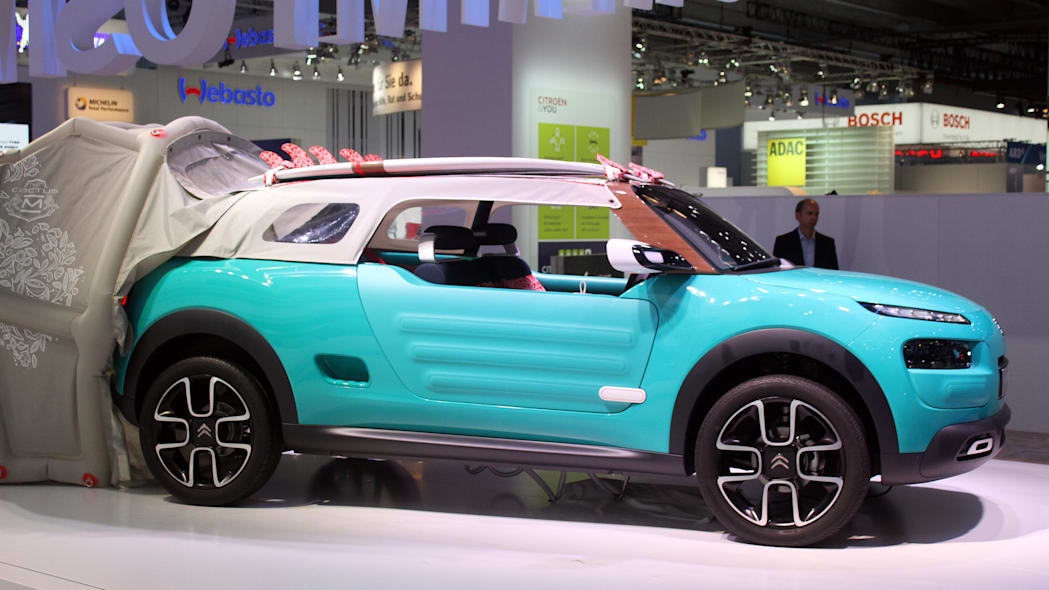 The Citroen Cactus M Concept at the 2015 Frankfurt Motor Show, wide three-quarter view.