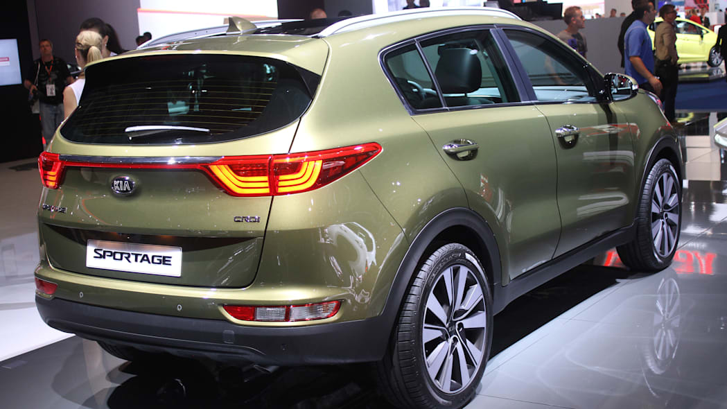 The 2016 Kia Sportage, revealed at the 2015 Frankfurt Motor Show, rear three-quarter view.