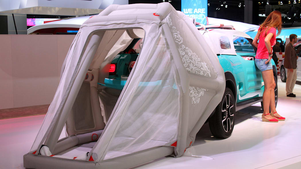 The Citroen Cactus M Concept at the 2015 Frankfurt Motor Show, rear three-quarter view with extended tent.