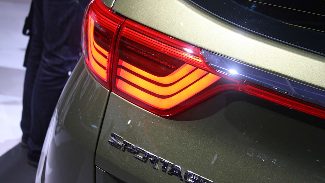 The 2016 Kia Sportage, revealed at the 2015 Frankfurt Motor Show, taillight detail and Sportage badge.