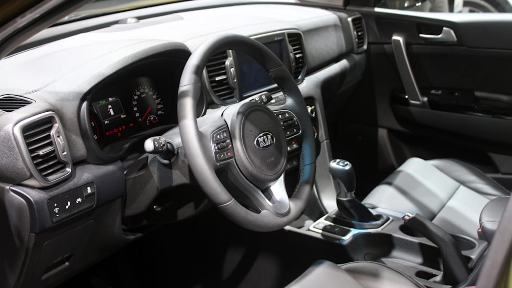 The 2016 Kia Sportage, revealed at the 2015 Frankfurt Motor Show, interior.