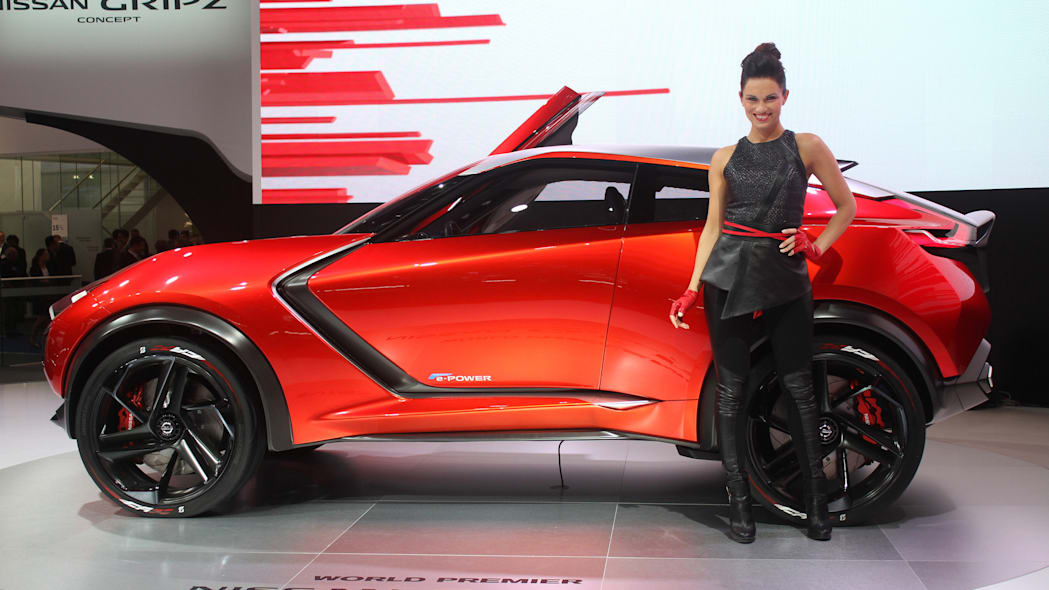 The Nissan Grips concept unveiled at the 2015 Frankfurt Motor Show, side view.