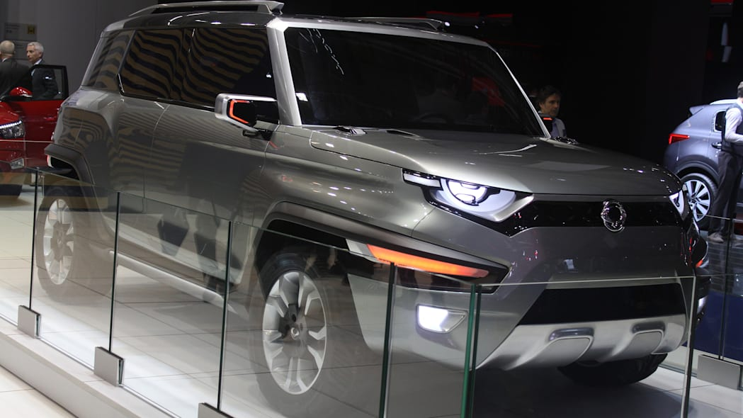 Ssangyong XAV concept unveiled at the 2015 Frankfurt Motor Show, front three-quarter passenger's side.