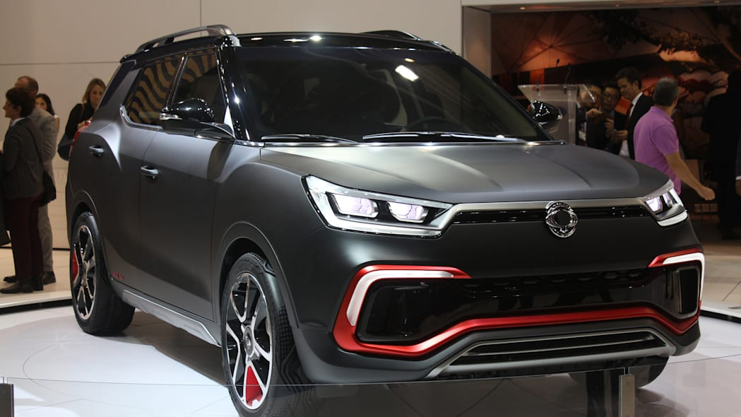 Ssangyong XLV Air concept unveiled at the 2015 Frankfurt Motor Show, front three-quarter view.