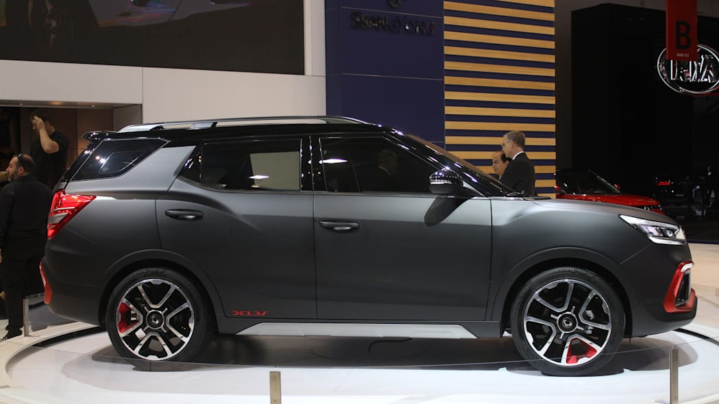 Ssangyong XLV Air concept unveiled at the 2015 Frankfurt Motor Show, side view.