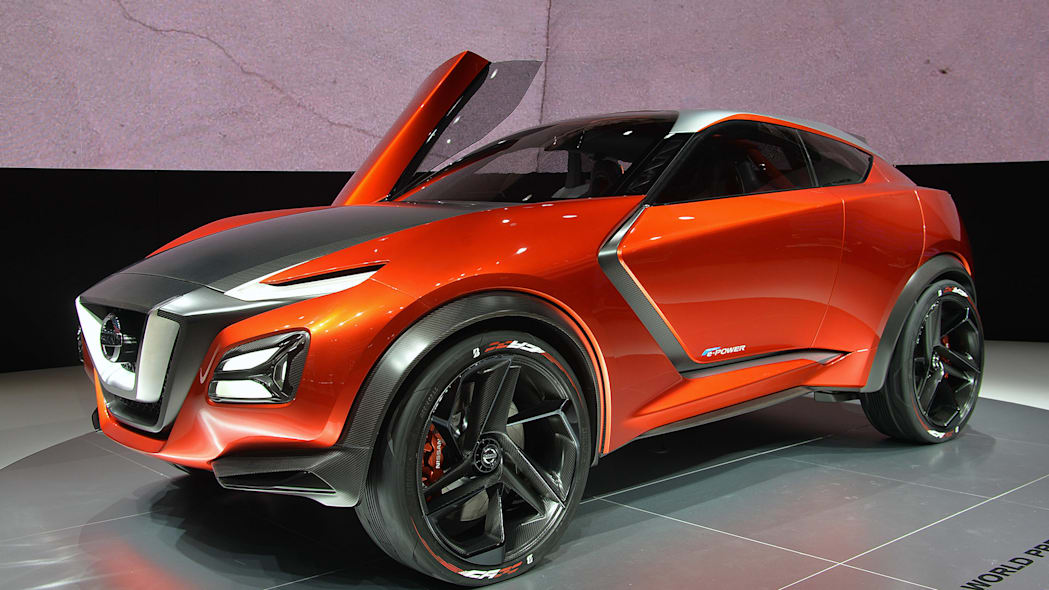 The Nissan Gripz concept at the 2015 Frankfurt Motor Show, front three-quarter view.