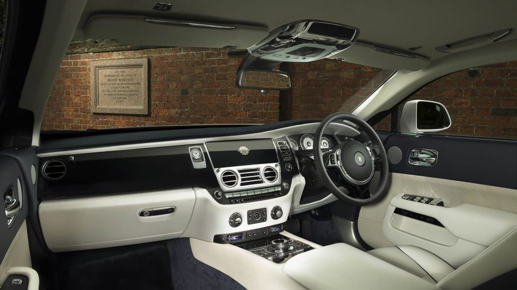 Rolls-Royce Wraith History of Rugby interior