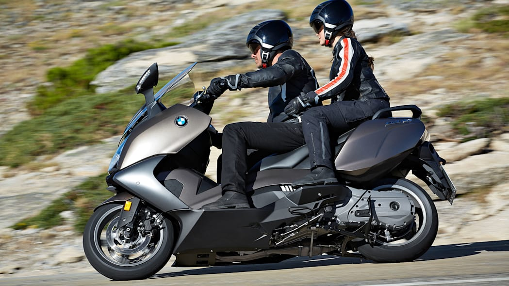 bmw c650 gt side with passenger