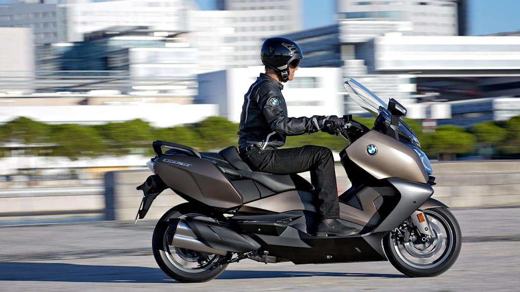 bmw c650 gt in the city