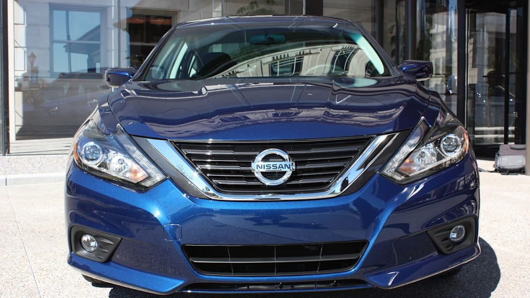 2016 nissan altima front 3