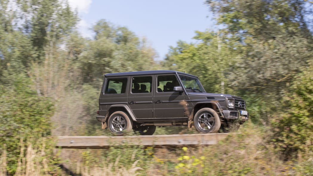 2016 Mercedes-Benz G550 looks great off road