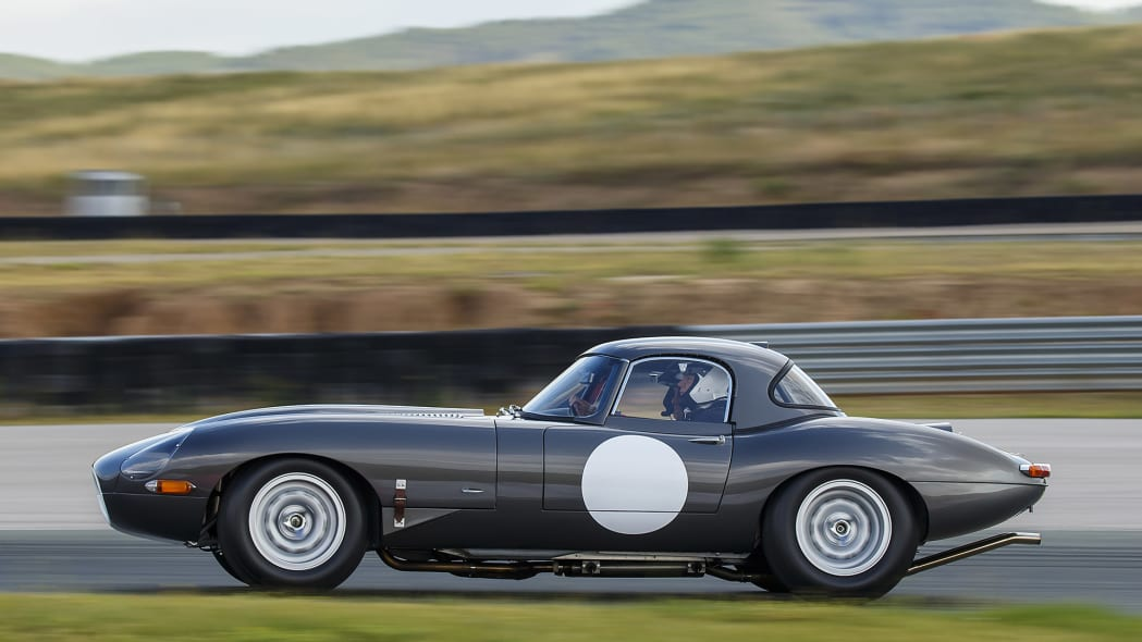 Jaguar Continuation Lightweight E-Type on track