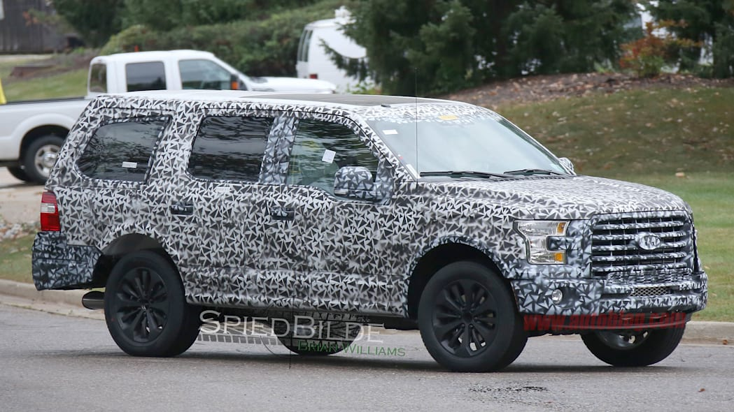 2018 Ford Expedition spied front 3/4