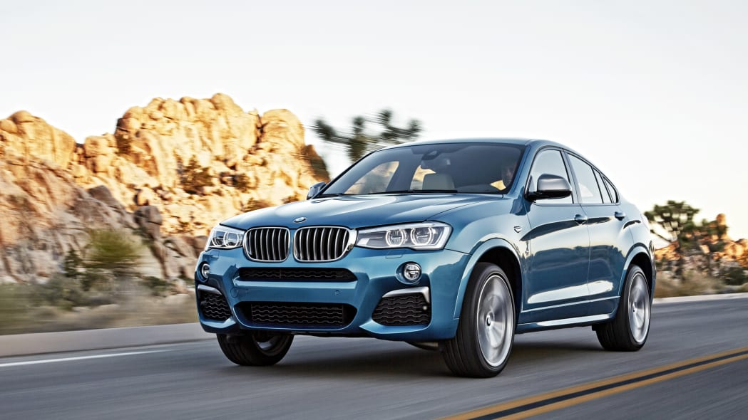 BMW X4 M40i front 3/4 rolling