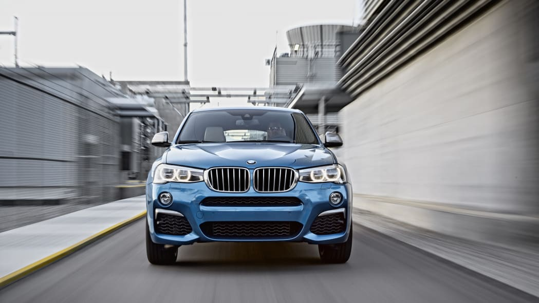BMW X4 M40i front moving