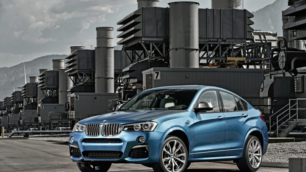 BMW X4 M40i front 3/4 industrial