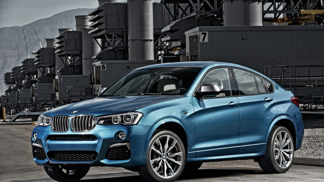 BMW X4 M40i front 3/4 industrial static