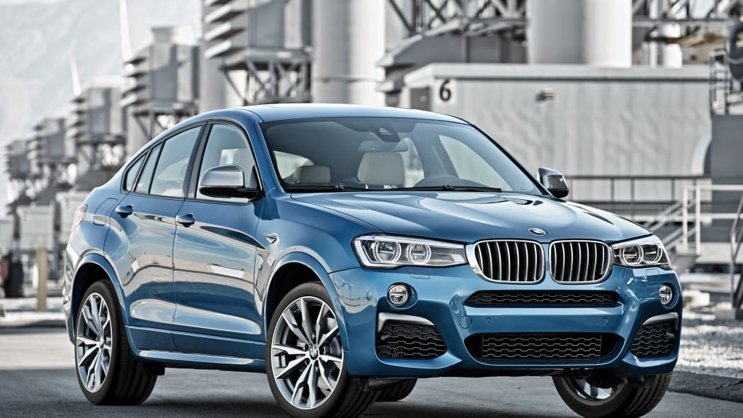 BMW X4 M40i front 3/4 plant static