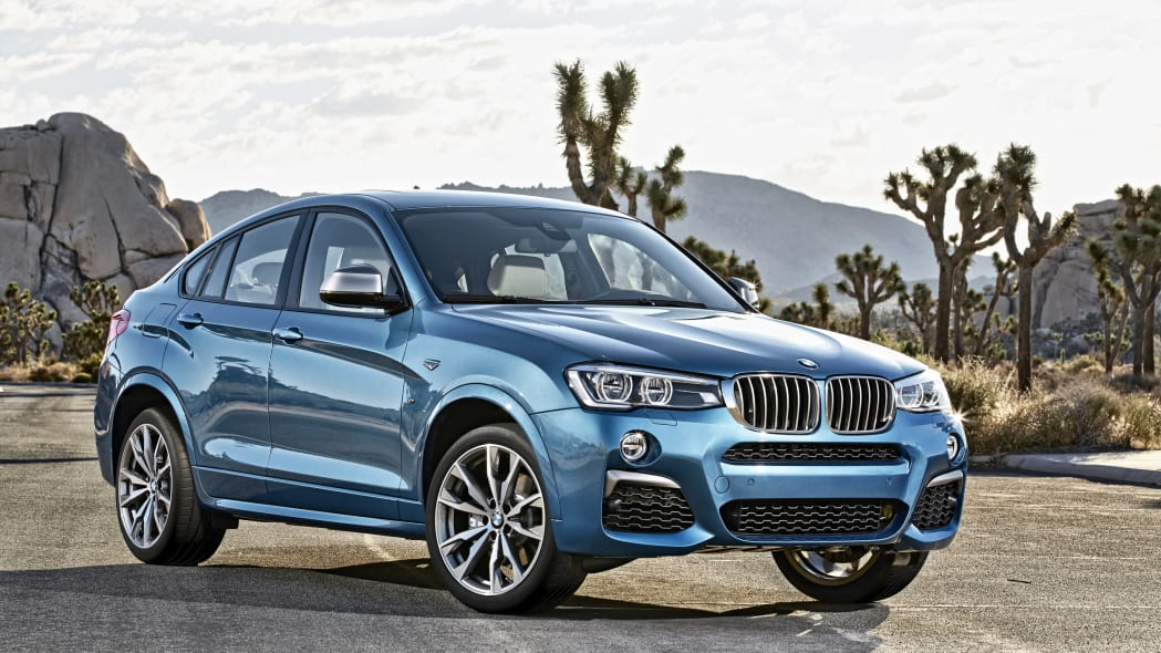 BMW X4 M40i front 3/4 static road location