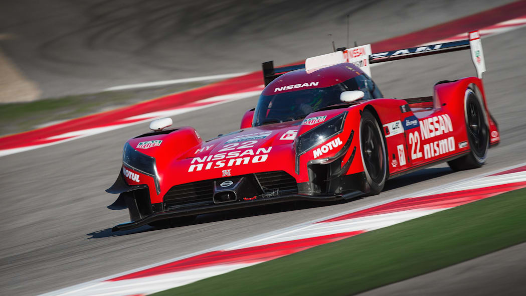 Nissan GT-R LM Nismo front 3/4