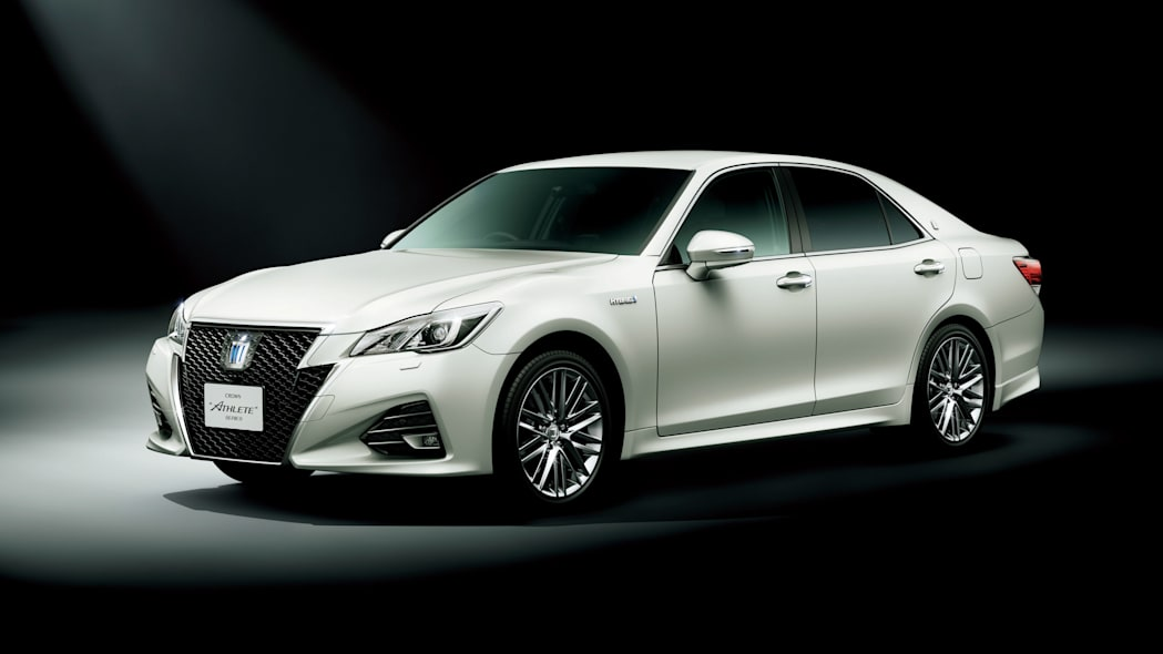 Toyota Crown front 3/4 white